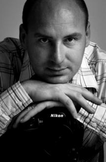 Valentin UTA : photographe professionnel à Clermont-Ferrand (63) pour les entreprises et les particuliers : reportage, mariage, évènementiel et portraità Clermont-Ferrand